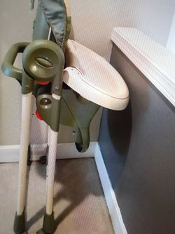 High Chair for Sale in Graham,  WA