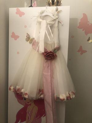 Flower girl dress (size 4) for Sale in Glendale, CA