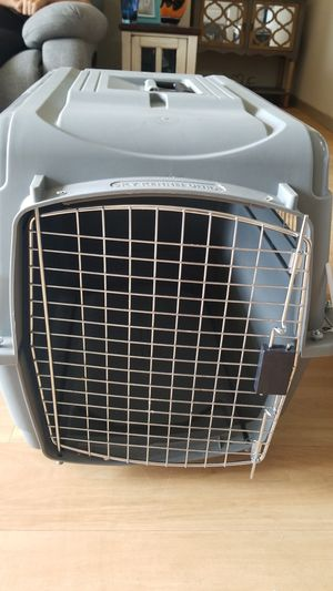 Small dog travel crate for Sale in Orlando, FL