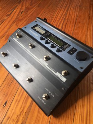 TC-Helicon Voicelive — Harmony Correction Effects (with cord) for Sale in Houston, TX