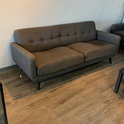 Used Full Size Couch for Sale in Anaheim,  CA