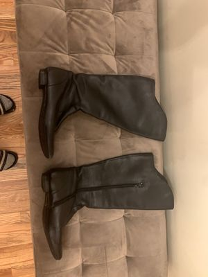 Barn crown leather boots size 8 for Sale in Tacoma, WA