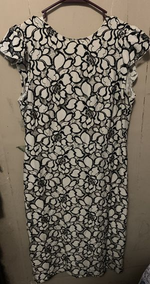 h&m black and white dress (slim) for Sale in Los Angeles, CA