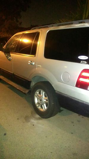 2005 Ford Expedition XLT for Sale in Los Angeles, CA