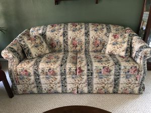Sofa bed - Queen Size - Excellent Condition for Sale in Katy, TX