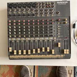 Mackie 1402VLZ Mixer for Sale in Brooklyn,  NY