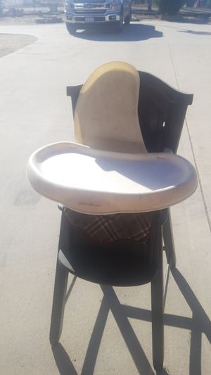 Misc free items high chair ,stroller, Guinea pig /rabbit cage cleaning out garage need to get rid of it for Sale in Oceanside, CA