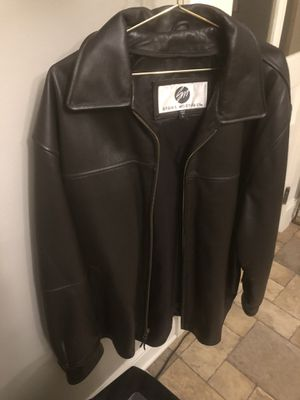 Premium Leather Coat (New) for Sale in St. Louis, MO