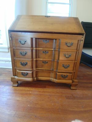 Antique desk absolutely beautiful for Sale in Freehold, NJ
