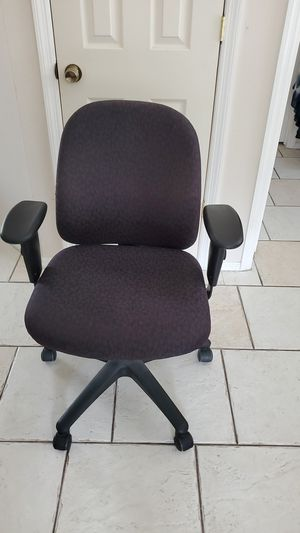 Office chair, adjustable for Sale in BVL, FL