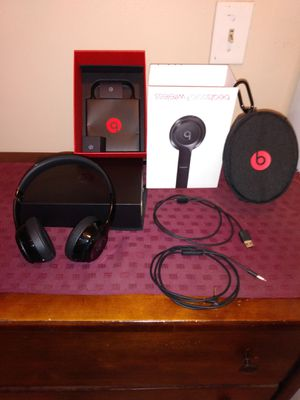 Beats Solo 3 Wireless, Gloss Black for Sale in San Bernardino, CA