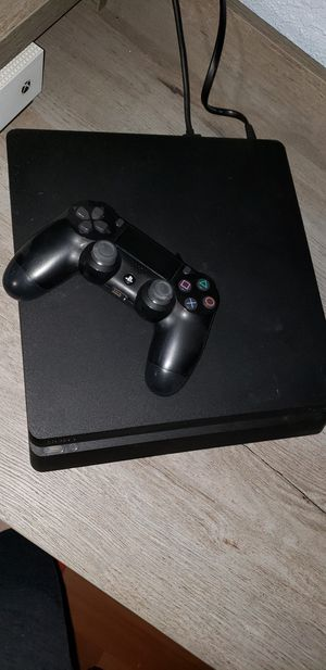 Ps4 slim 1tb for Sale in Madera, CA