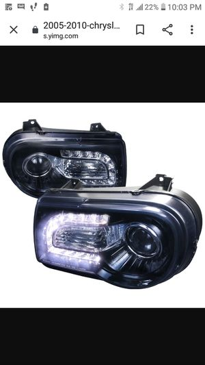 2005 Chrysler 300 headlights $$$50 for Sale in Franklin Park, IL
