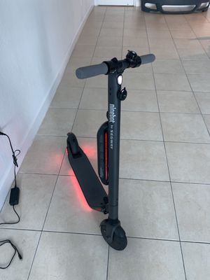 Segway ninebot ES4 electric scooter for Sale in Miami, FL