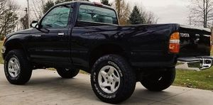 2001 Black TOYOTA TACOMA Everything works great!! Zero-issues!! for Sale in Richmond, VA