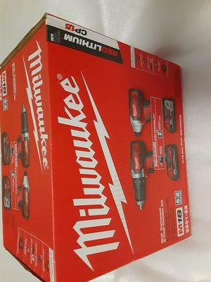 Milwaukee M18 Compact Cordless 2-Tool Combo kit *New* 2691-22 for Sale in Kent, WA