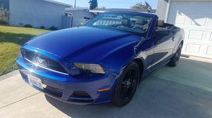 2013 Ford Mustang V6 Convertible for Sale in Santa Fe Springs, CA