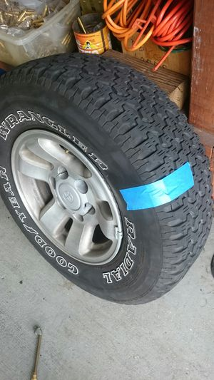 15 in alloy Toyota truck rims set of four for Sale in Miami, FL