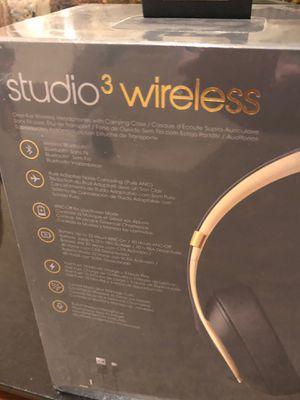Brand new studio 3 beats for Sale in Fresno, CA