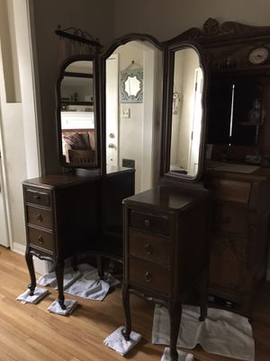 Antique Dresser/Vanity for Sale in Claremont, CA