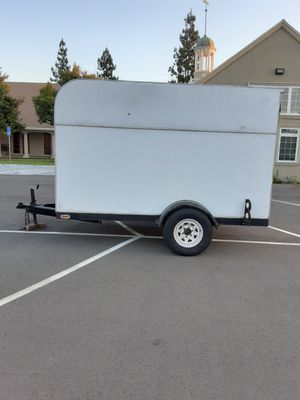 CARRIER TRAILER NO OFFERS FIRM ON THE PRICE CASH ONLY NO TARDES for Sale in Bell Gardens, CA