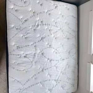 Newer Queen BED : Mattress, Boxspring, Metal Frame for Sale in Renton, WA