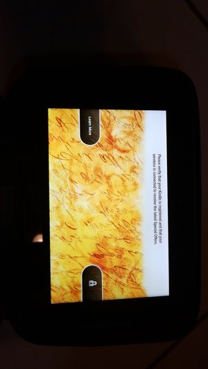 KINDLE FIRE GREAT CONDITION AND COMES WITH CASE for Sale in North Miami, FL