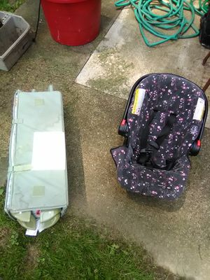 Play pen and car seat for Sale in Warren, OH