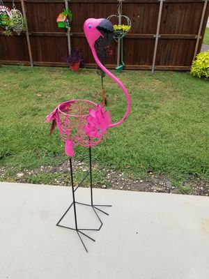 Metal Flamingo Plant Stand (Yard Art) for Sale in Wylie, TX