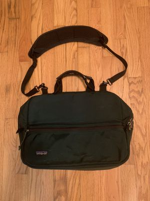 Patagonia Messenger Bag Laptop Case Backpack With Shoulder Strap - Green for Sale in Pelham, NH