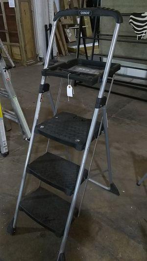 Cosco 3 step ladder for Sale in Dallas, TX