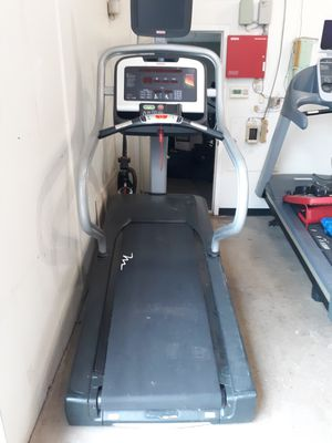 Treadmill high end refurbished and cheap prices is FIRM for Sale in Austin, TX