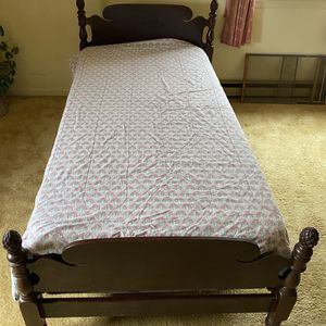 Antique Mahogany Twin Bed Frame for Sale in Charles Town, WV