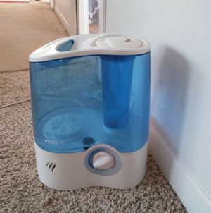 Cool mist humidifier for Sale in DW GDNS, TX