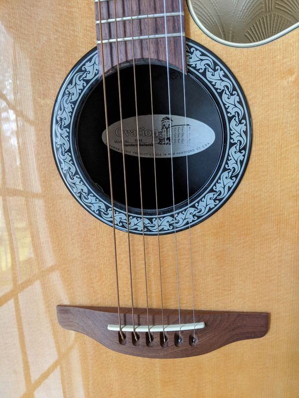Ovation Electric acoustic guitar with 270W Fender amp
