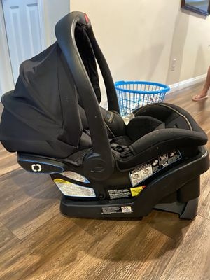 Graco snug ride 35 Infant car seat for Sale in Rancho Cucamonga, CA