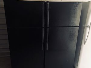 🥑 2013 GE REFRIGERATOR FRIDGE (FREE DELIVERY/60 DAY WARRANTY) for Sale in Los Angeles, CA