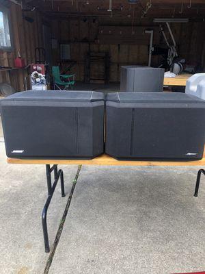 Nice Bose 301 Series IV Speakers for Sale in Eastpointe, MI
