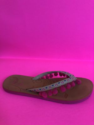 Sandals / Flip flops - with hot pink/blue detail -size 5 for Sale in Los Angeles, CA