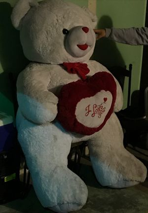Giant teddy bear for Sale in Los Angeles, CA