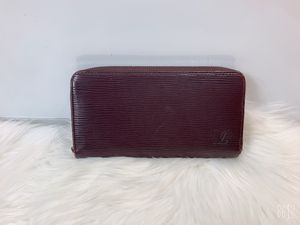 100% Authentic Louis Vuitton Zippy Wallet with Dust Bag. for Sale in Brookfield, WI