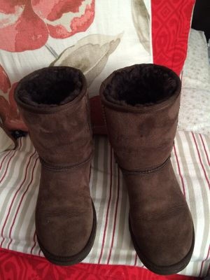 UGG brown women's size 5 good conditions! for Sale in Oakland, CA