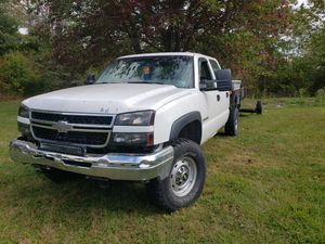 2006 chevy 2500hd 8.5ft flat bed trade for Sale in Sanatoga, PA