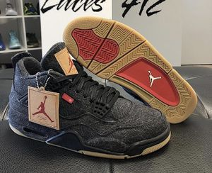 """DS Jordan Retro 4 """"Black Levi's Blank Tag"""" Size: 10.5(NO TRADES) for Sale in Pittsburgh, PA"""