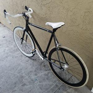 Road Bike W/Repairkit/pump built in for Sale in Concord, CA