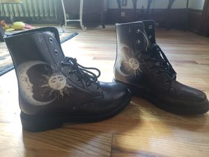 """""""Yes we vibe""""boots for Sale in Milwaukee, WI"""
