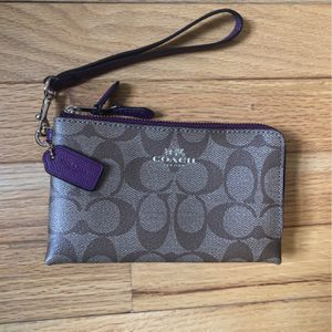 Coach Wristlet for Sale in Fairless Hills, PA