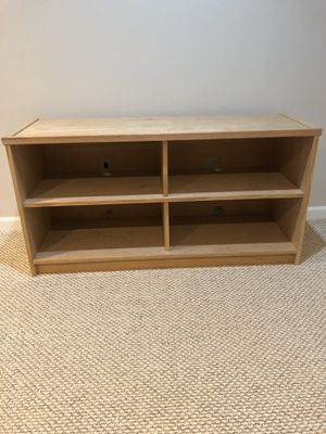 Wooden TV / Entertainment Stand for Sale in Aurora, IL