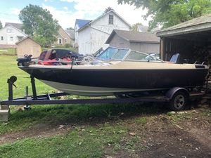 1986 astroglass fish and ski for Sale in Duncannon, PA