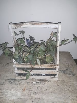 Really neat arrangement for Sale in Cincinnati, OH